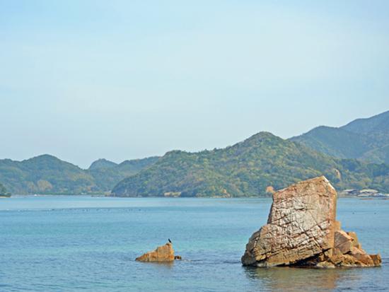 春の日本海(立岩周辺)